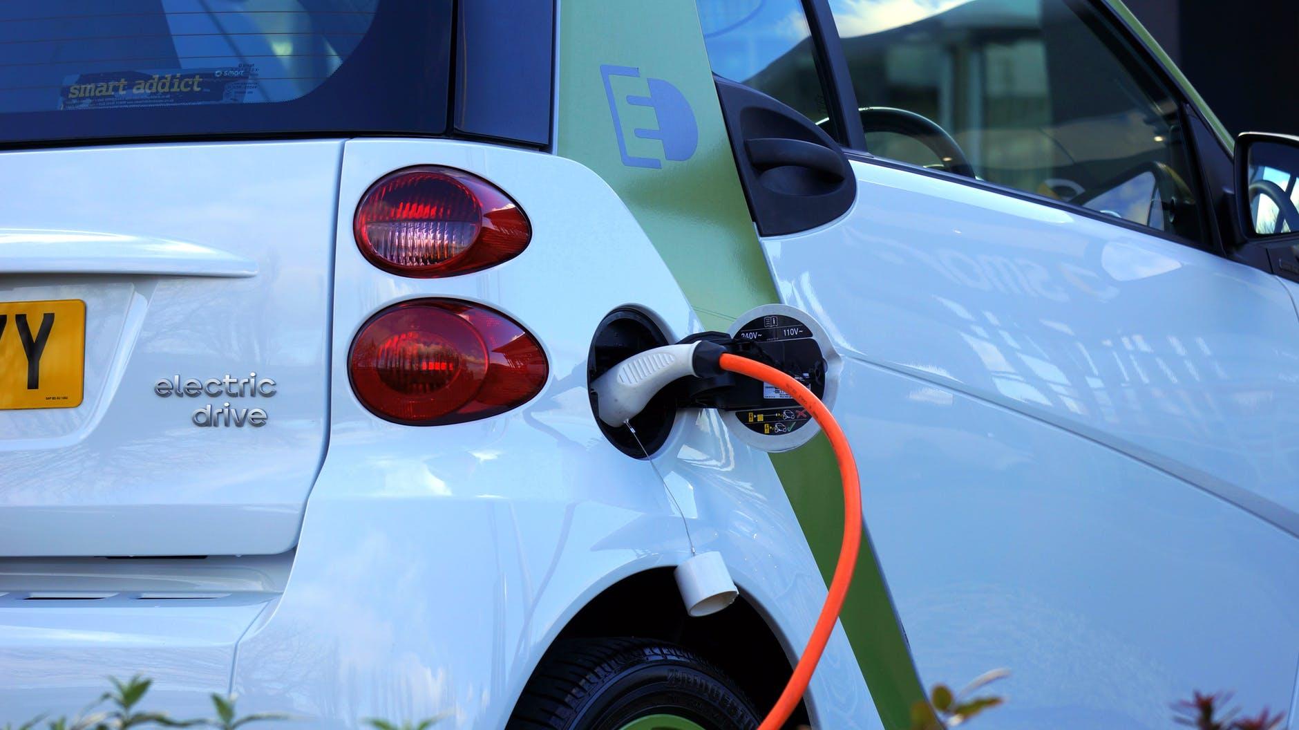 fattori-impattano-autonomia-auto-elettrica